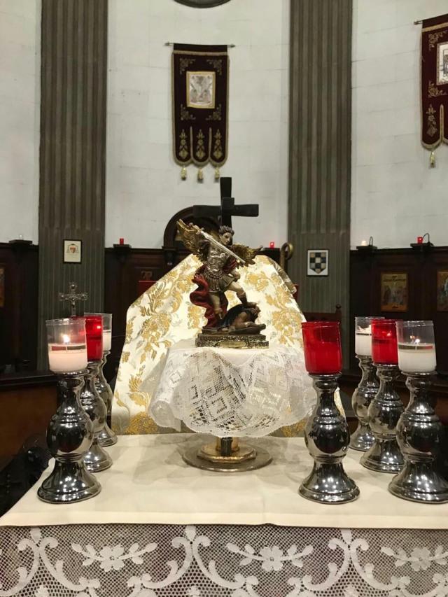 celebracion-san-miguel-parroquia-santa-maria-reina-barcelona-10.jpg